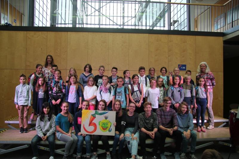 6c0b6f9924a93 Gepackte Schulranzen und gespannte Gesichter – Stromberg-Gymnasium